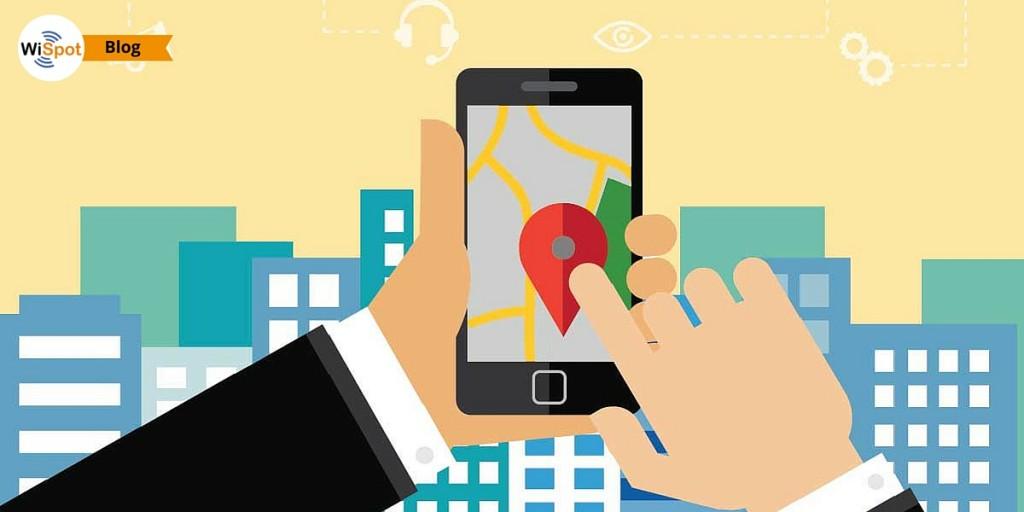 Raffigurazione di uno smartphone che visualizza la mappa di una città.